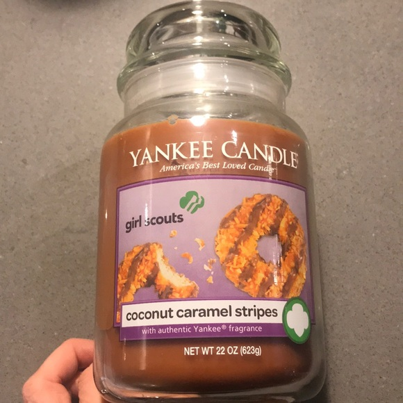 Yankee candle girl Scouts coconut caramel candle
